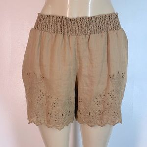 Johnny Was Gila Embroidered Shorts Ricepaper Small